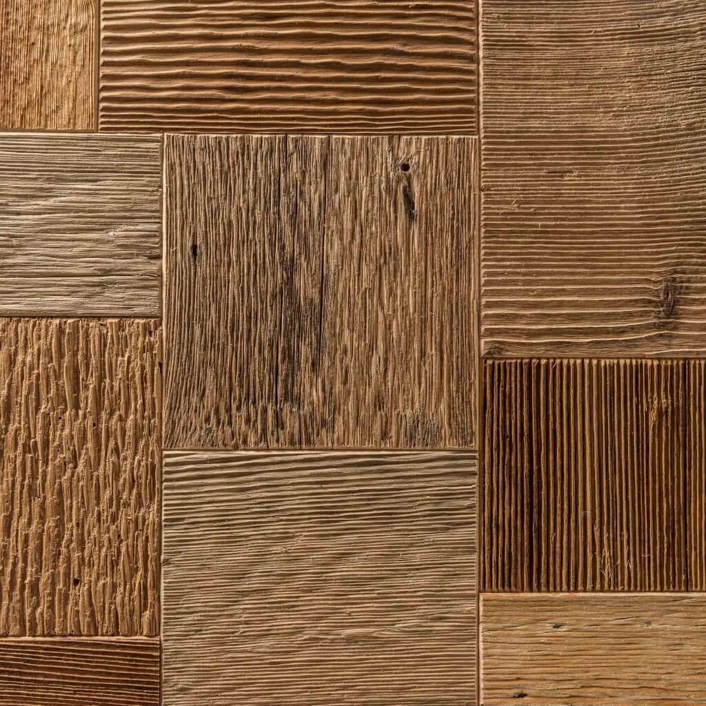 <p>I cubi d'arredo rispondono ai canoni di design contemporaneo ed esercitano una doppia funzione: ornamento e complemento d'arredo. Il materiale di cui è composto è ricavato assemblando tanti pezzetti di legno antico, riciclato dalle nostre falegnamerie. Il gioco geometrico prosegue nella texture stessa dell'oggetto, formato da decine di quadri uniti fra loro, che mantengono la […]</p>