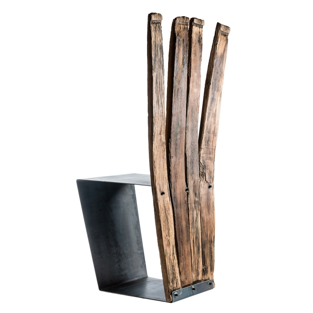 <p>Square seat in iron which continues through the design at the base of the product, creating a unique piece. The wood that makes up the backrest creates a peacock tail effect and are made of wood which has been crafted by the unpredictability of the external environment. The term Barrique is the name given to [&hellip;]</p>