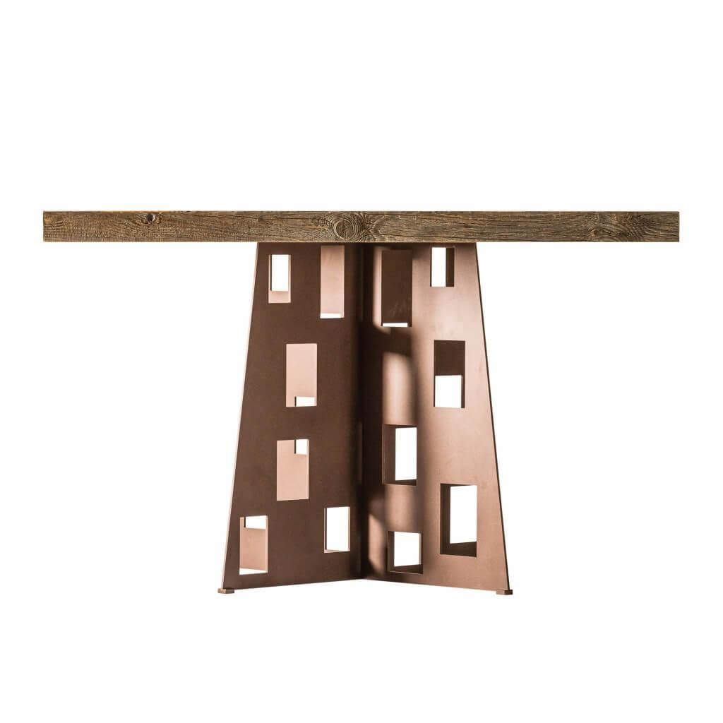 <p>Un tavolo di grande impatto visivo dato dal contrasto tra due materiali, il legno e il metallo, dalla natura e dalla sostanza completamente differenti: caldo e freddo, liscio e ruvido. Il tavolo Federa è caratterizzato da un gioco di forme geometriche, a partire dalle intagliature rettangolari nella base in metallo, passando per il gioco di [&hellip;]</p>