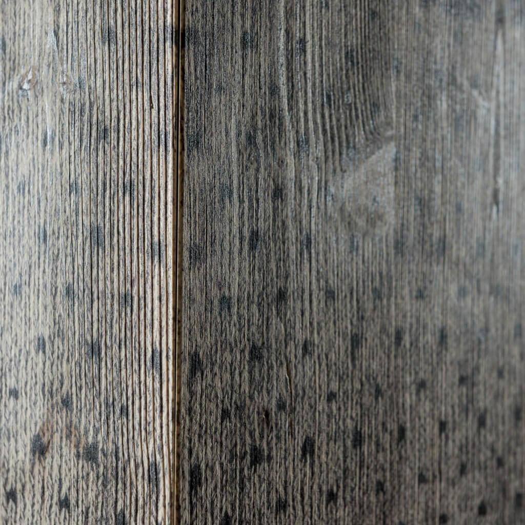 <p>Sofisticato e unico, il cubo maglia si distingue per la sua forma lineare e squadrata che testimonia l'unione tra la ricerca della perfetta geometria e il senso di fantasia dei designer. Il cubo maglia è adornato con una trama ottenuta grazie alla stampa a plotter. Il dettaglio che lo personalizza e lo rende unico è […]</p>